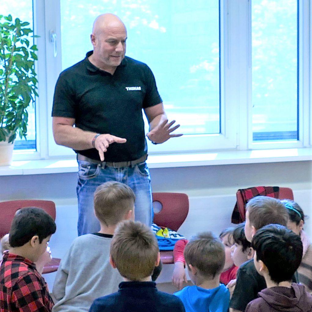 """Kleine Schule des gegenseitigen Respekts an der staatlichen Grundschule """"Saaletal"""" Jena"""